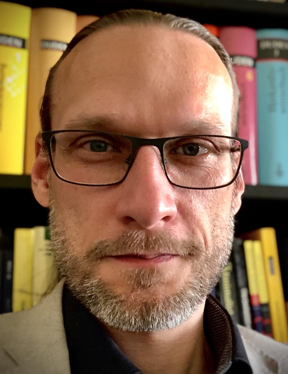 Dr. Stefan Lotze